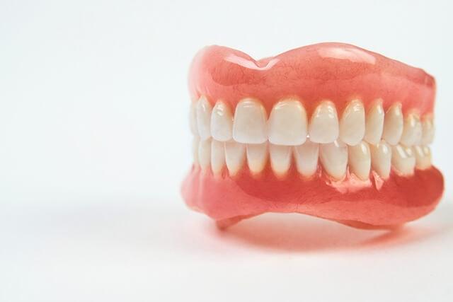 Răng giả và răng giả một phần